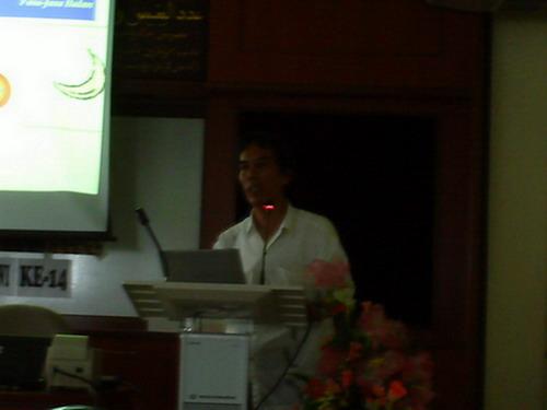 dr-azhari-sedang-berucap1